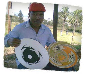 Ben Makhanya, master weaver of Zulu wire baskets